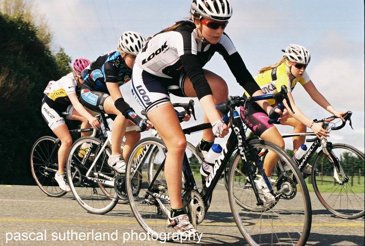 Racing elite women in the tour of southland